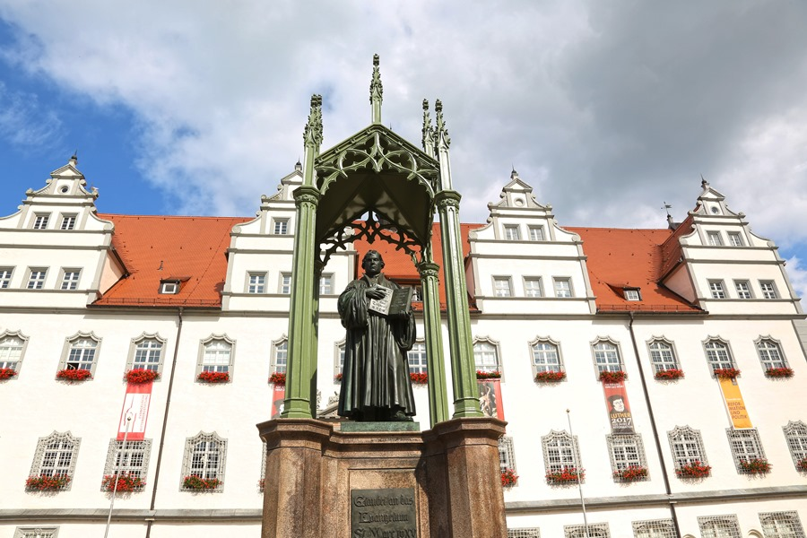 Luther Monument in Lutherstadt Wittenberg © JD Andrews, EarthXplorer Media