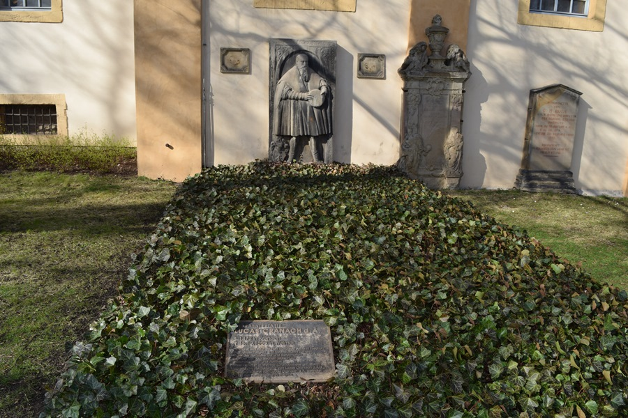 Cranach's Grave at St Jacobs Cemetery in Weimar© LutherCountry